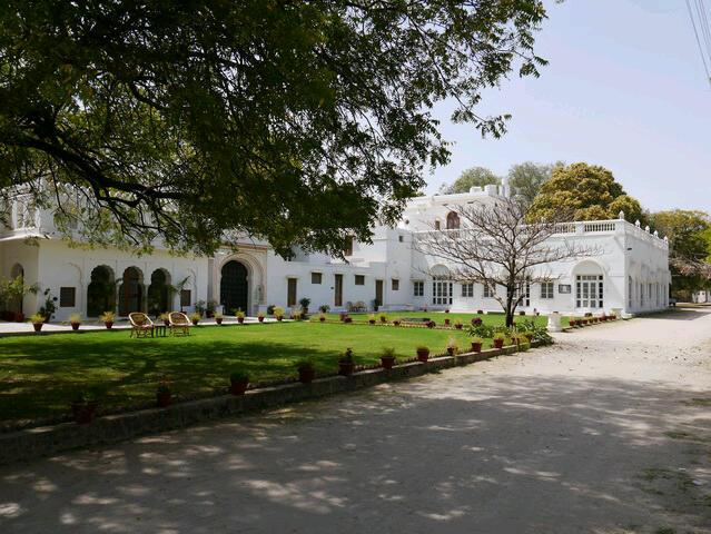 Hotel Shahpura Bagh