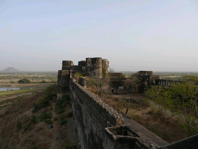 Festung Dhikola bei Shahpura Bagh