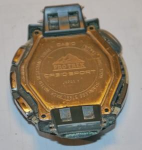 Casio PRG-120T ohne Uhrenband - Federstifte noch sichtbar