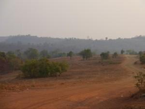 Senmonorom: Umgebung, trocken und sehr staubig