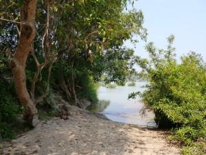 Banlung: Tonle San, Mittagsrast auf einer Insel
