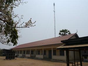 Kratie: Insel Koh Rougniv, Schule und Handy-Mast