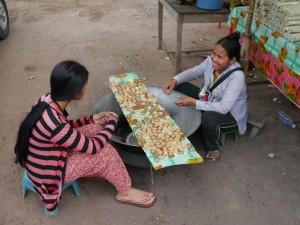 Siem Reap: Palmzucker, kleine Probiererli für die Touristen