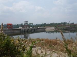 Battambang - Koh Kong: Unterwegs, Staudamm