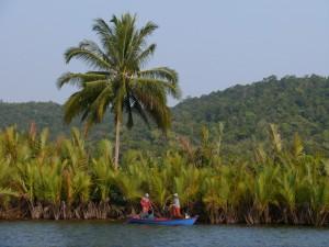Koh Kong: 4 River Floating Lodge, Fischer bei der Arbeit