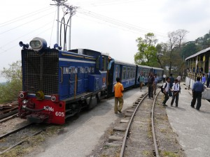 DHR: Tindharia Zug aus Siliguri